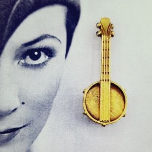 Vintage DeNicola mandolin rhinestone brooch